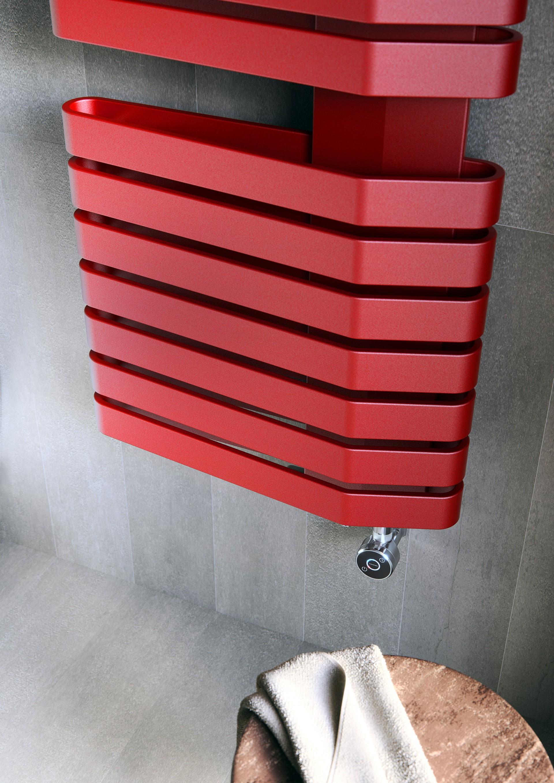 Colour: Metallic Red (MRE)